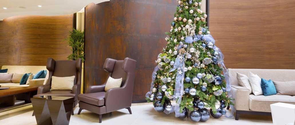 hotel-christmas-tree